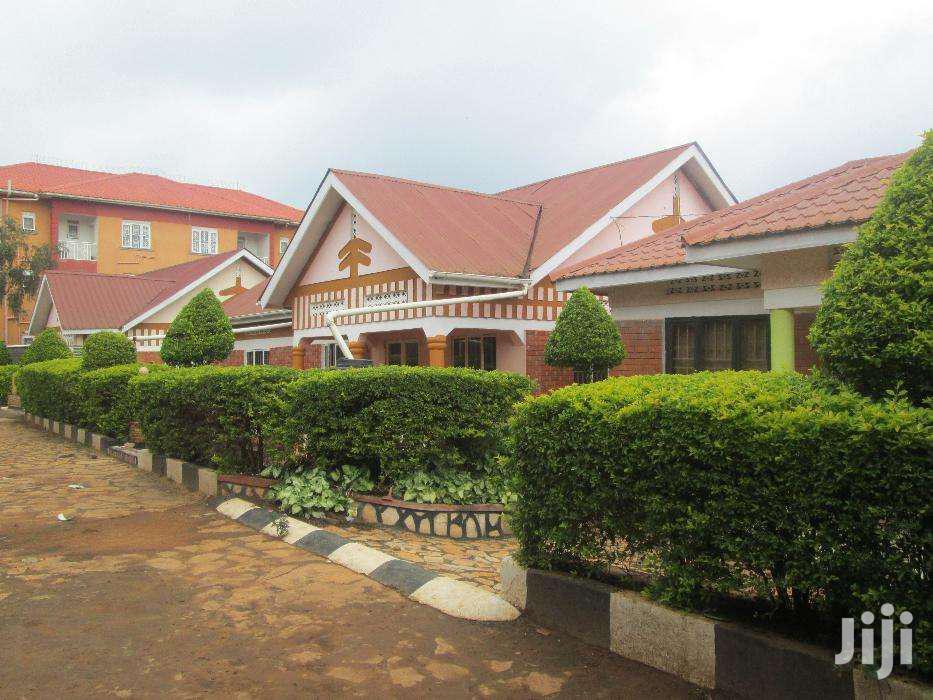 Three Bedroom House In Kirinya Along Bukasa Road For Rent | Houses & Apartments For Rent for sale in Kisoro, Western Region, Uganda