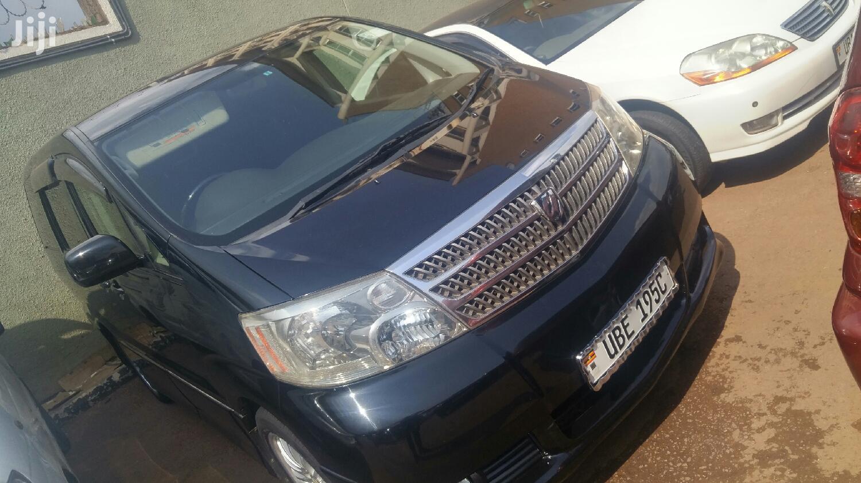 Toyota Alphard 2004 Black