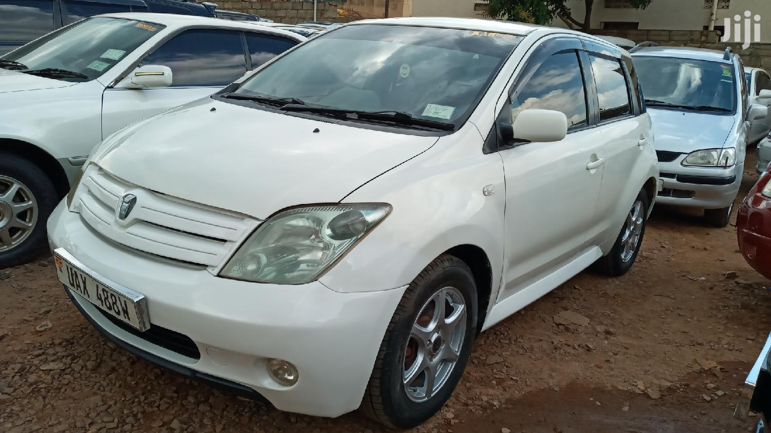 Toyota IST 2004 White | Cars for sale in Kampala, Central Region, Uganda