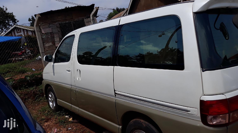 Toyota Regius Van 2000 White