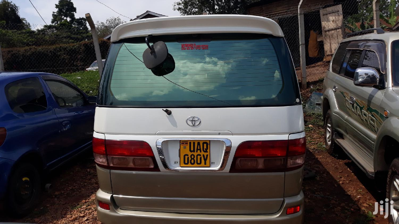 Toyota Regius Van 2000 White | Buses & Microbuses for sale in Kampala, Central Region, Uganda