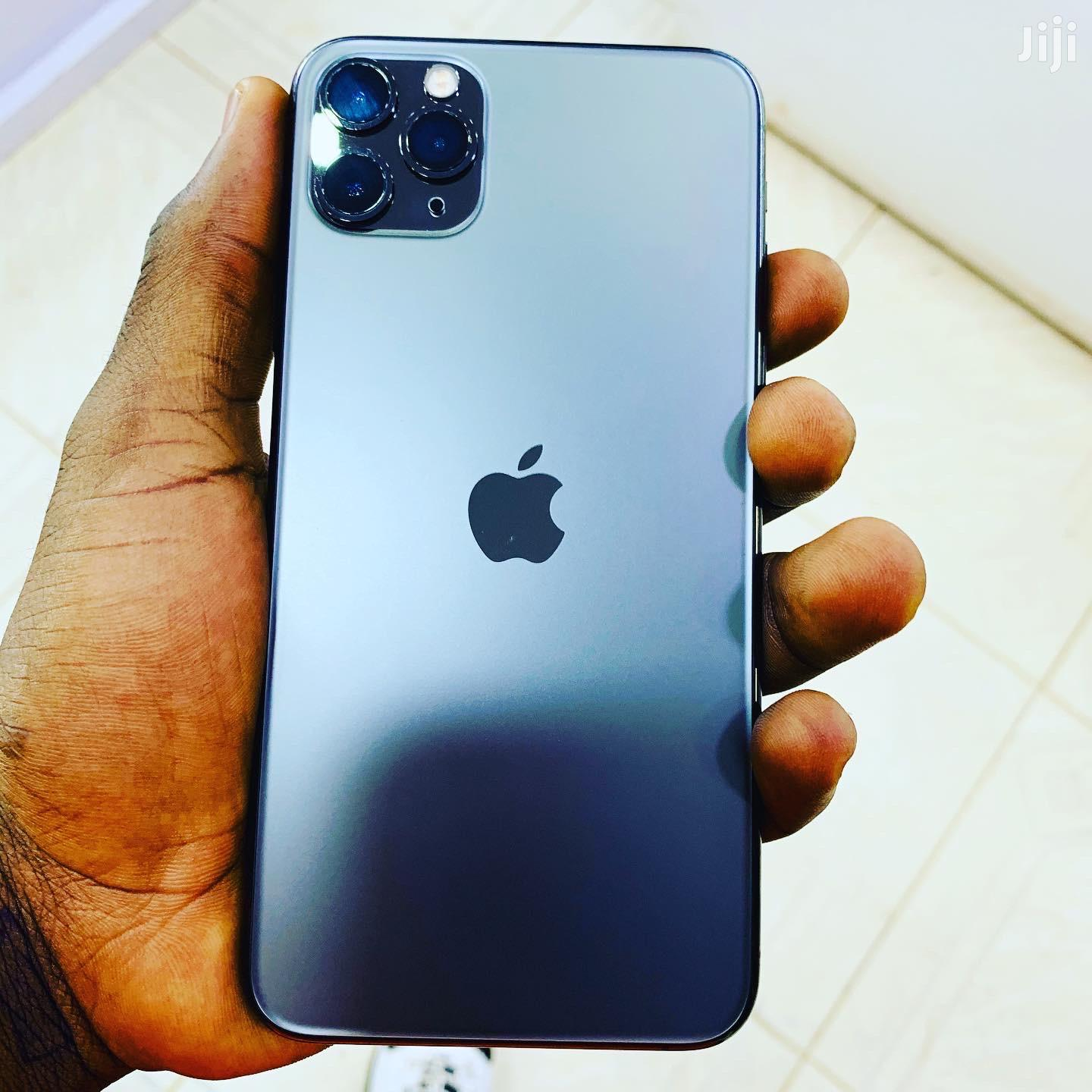 Archive: Apple iPhone 11 Pro Max 256 GB Black