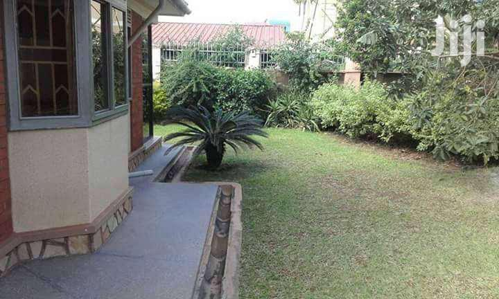 Archive: Majestic 4bedroom Home in Ntinda Ministers Village