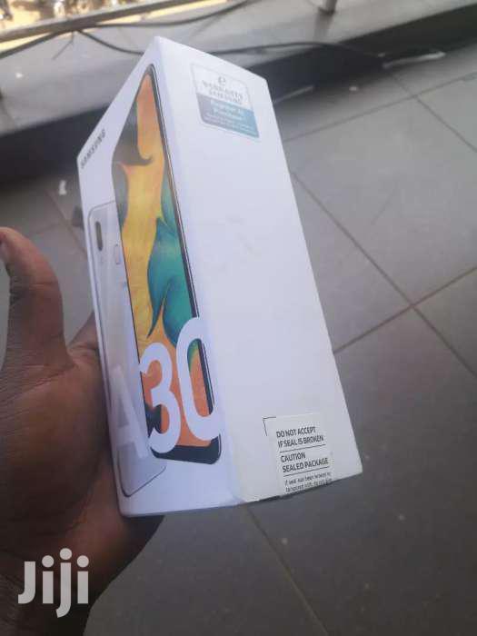 Archive: New Samsung Galaxy A30 64 GB Black