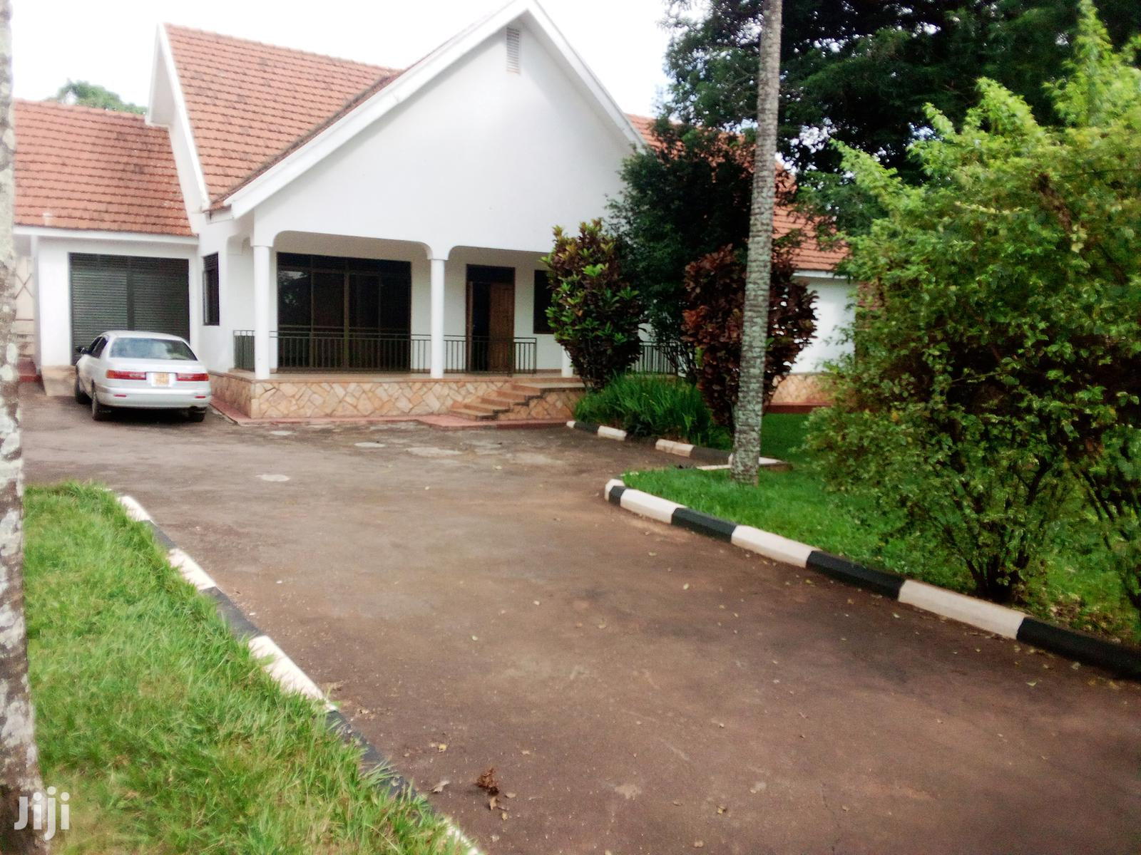 ,3 Bedrooms House At Muyenga