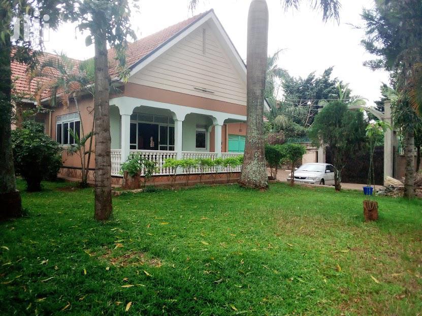 3 Bedrooms House At Muyenga