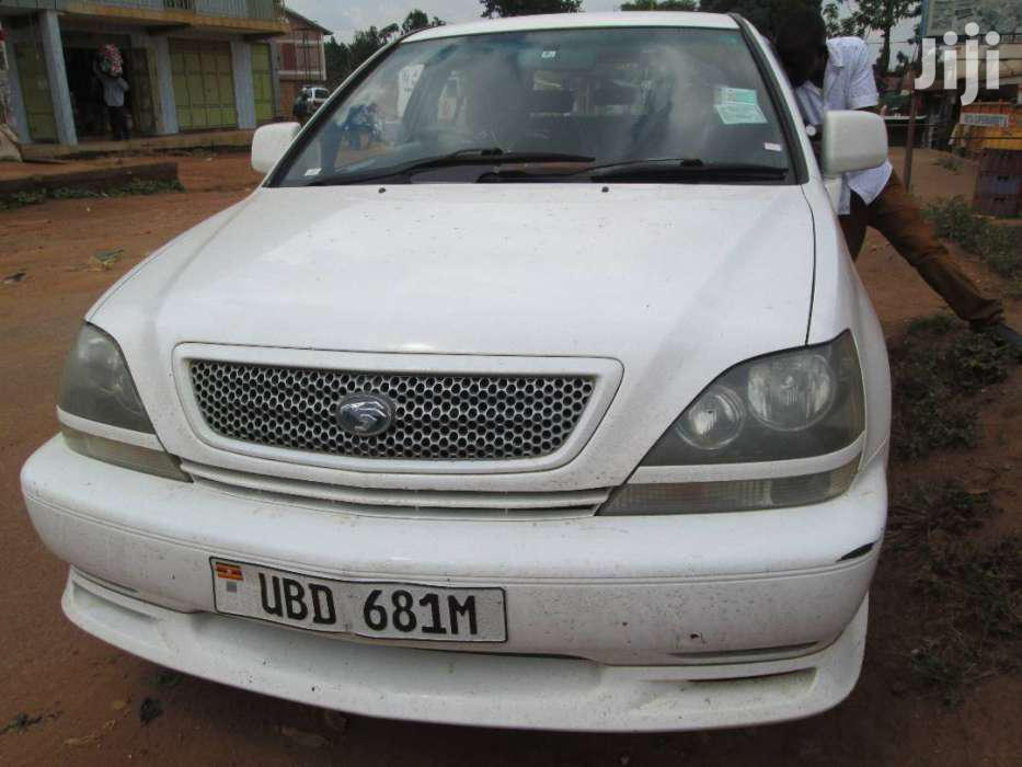 Archive: Toyota Harrier 2004 White