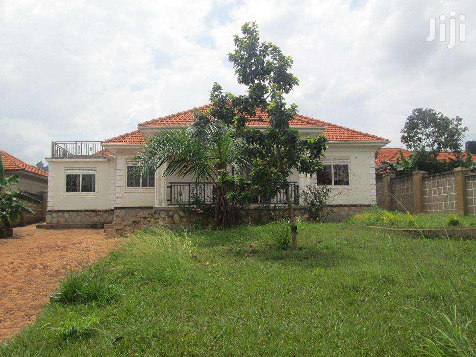 Four Bedroom House In Entebbe Akright For Rent | Houses & Apartments For Rent for sale in Kisoro, Western Region, Uganda