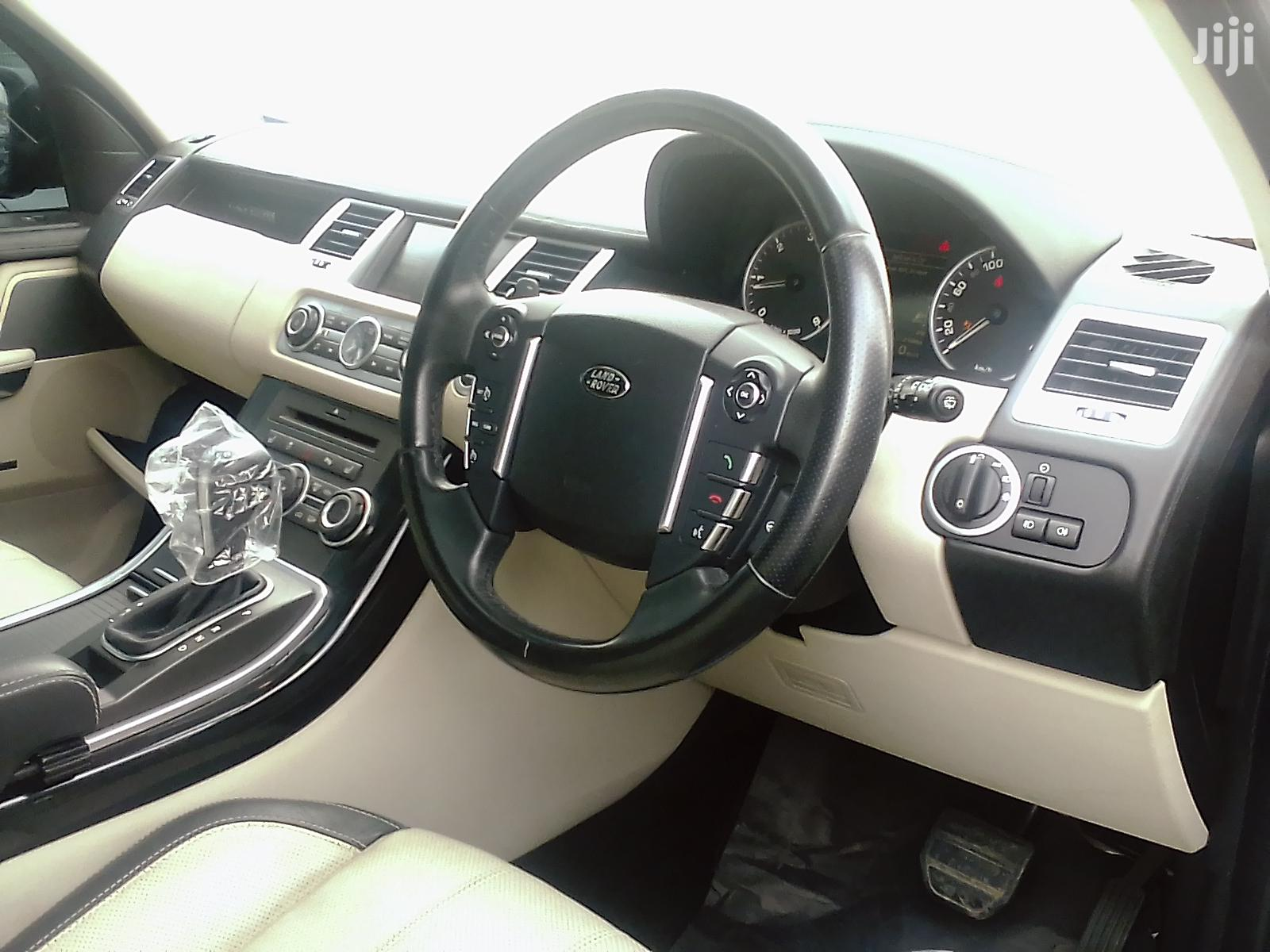 Archive: Land Rover Range Rover Sport 2010 Gray