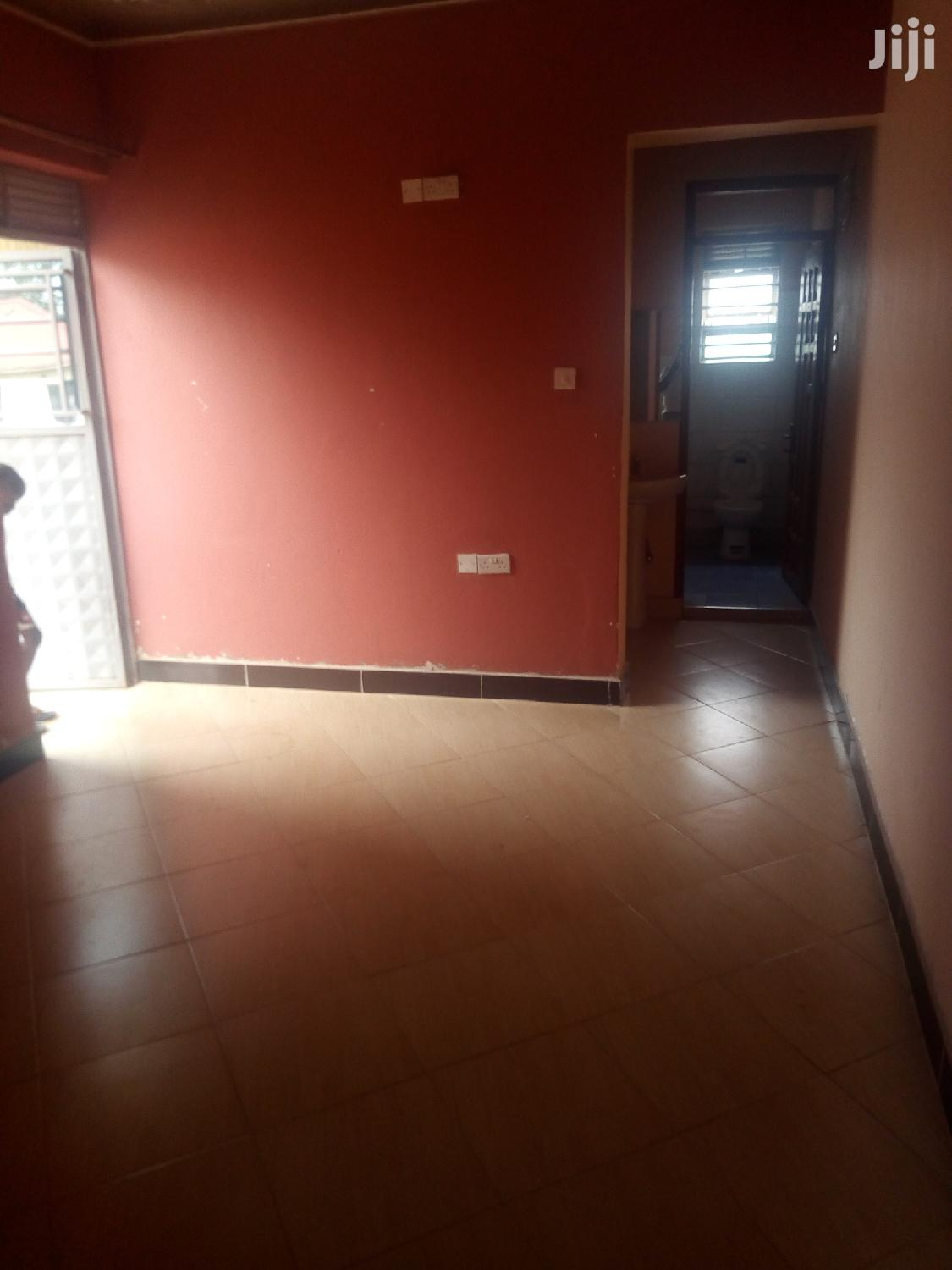 Kireka First Class Double Room Available for Rent