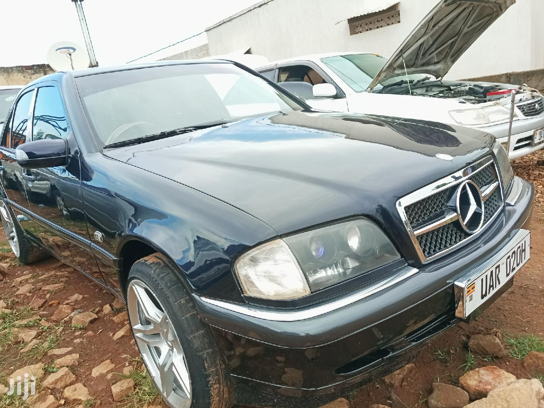 Archive: Mercedes-Benz C200 2000 Black