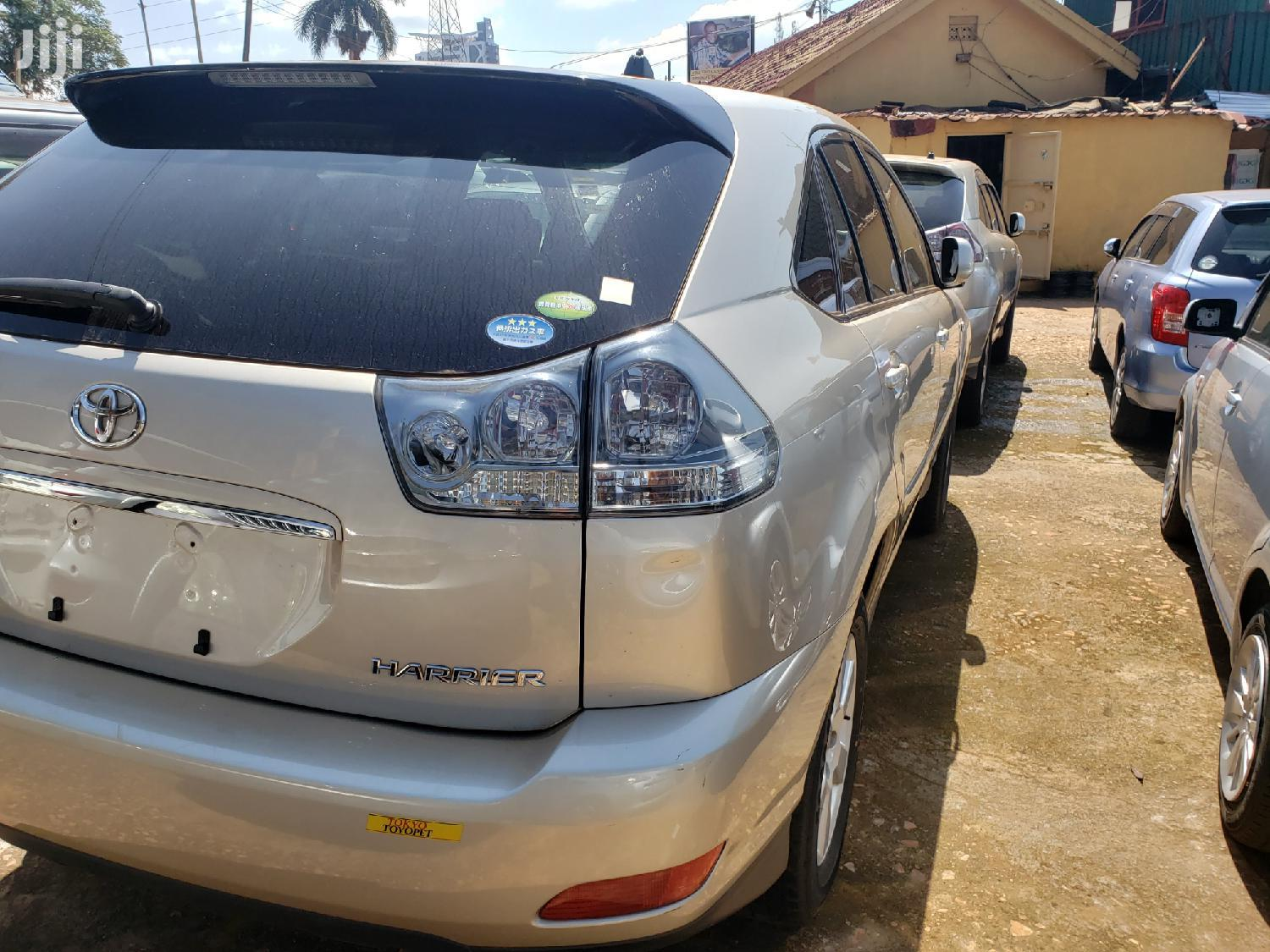 Archive: Toyota Harrier 2006 Gold