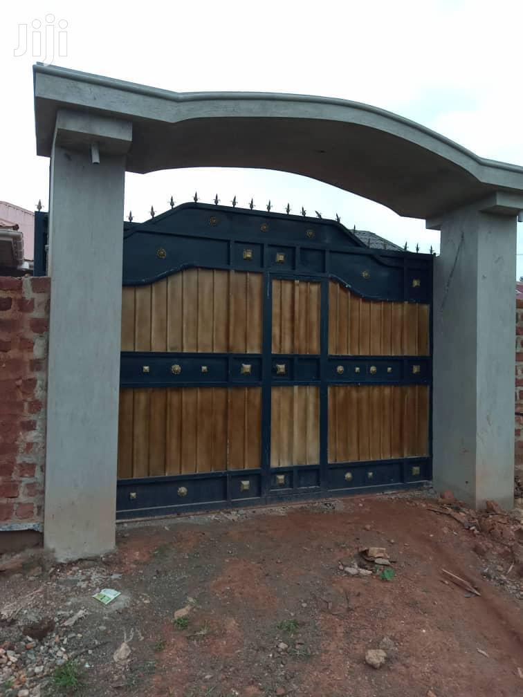 A House At Salaama Munyonyo Road Makindye In An Organised Environment