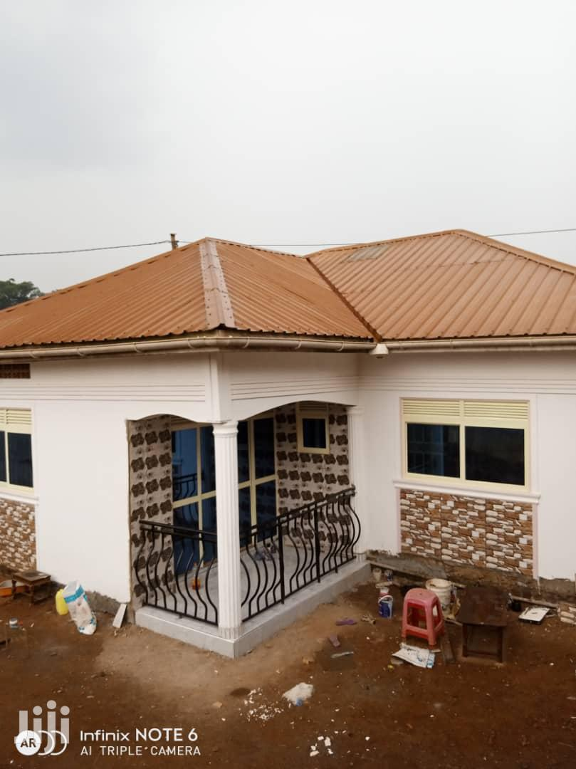 A House At Salaama Munyonyo Road Makindye In An Organised Environment | Houses & Apartments For Sale for sale in Kampala, Central Region, Uganda