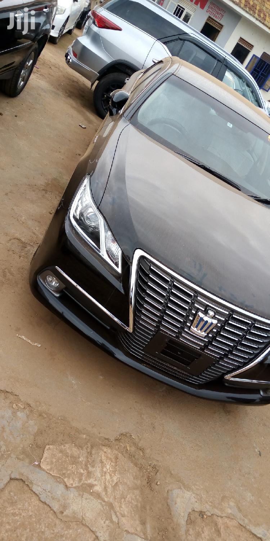 Toyota Crown 2013 Black