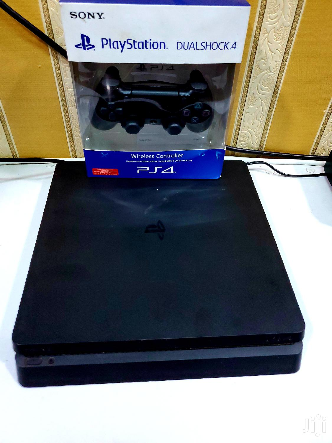 Ps4 Slim With One Controller