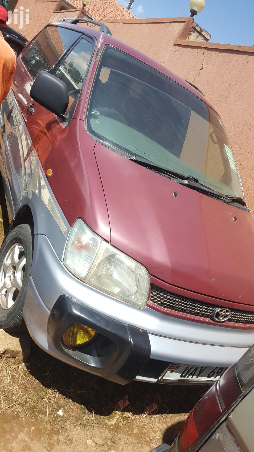 Toyota Noah 1998 Red