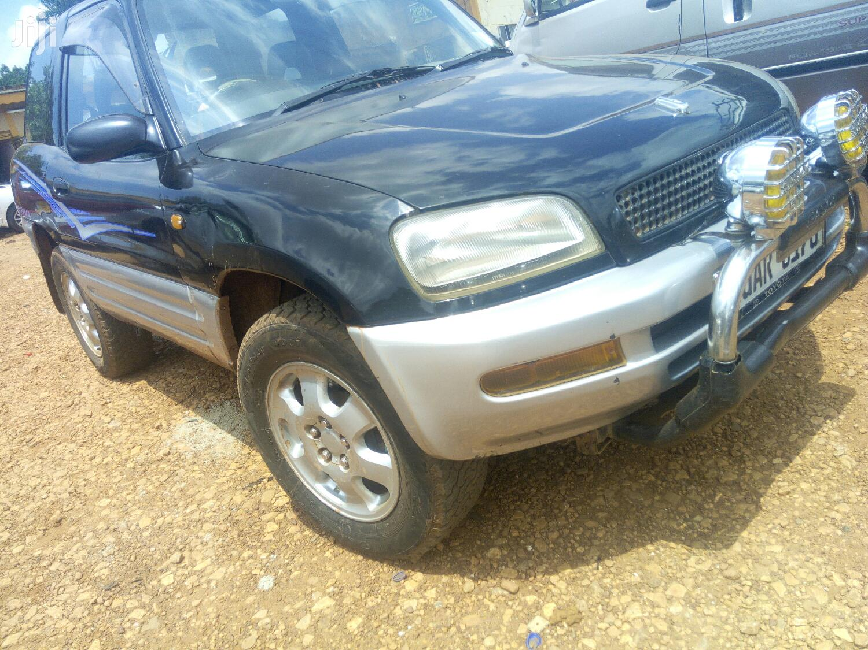 Toyota RAV4 1999 Black