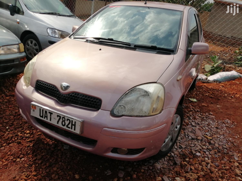 Toyota Vitz 2000 Pink