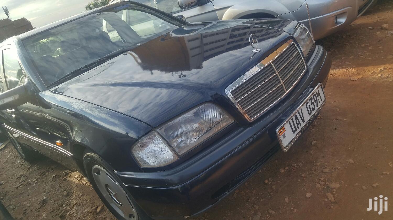 Mercedes-Benz C200 2001 Blue