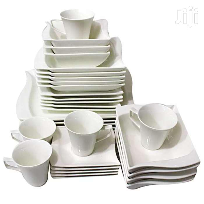 Archive: 24 Pcs 6 Cups, 6 Bowls, 6 Plates, And 6 Side Diner Plates