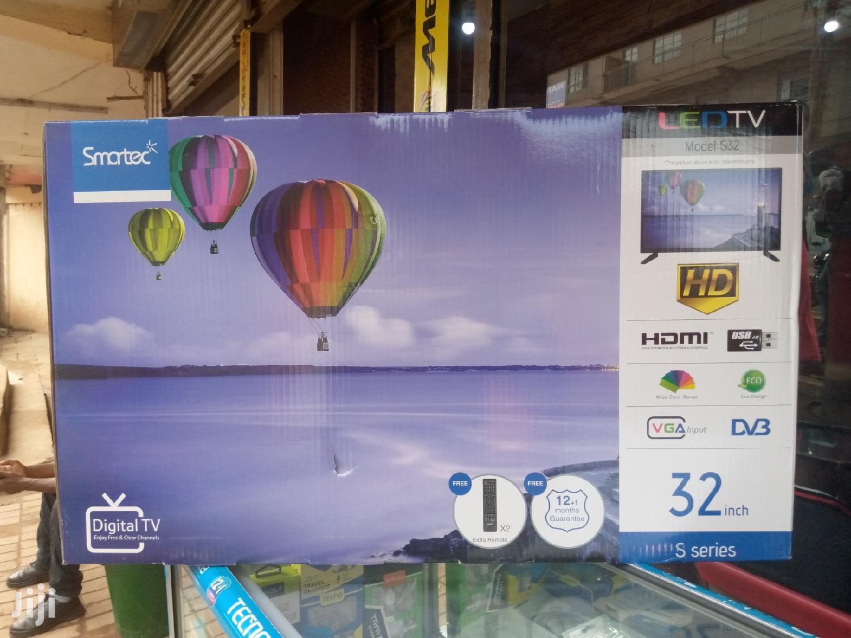 Smartec LED Digital Flat Screen TV 32 Inches