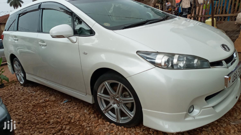 Toyota Wish 2009 White   Cars for sale in Kampala, Central Region, Uganda