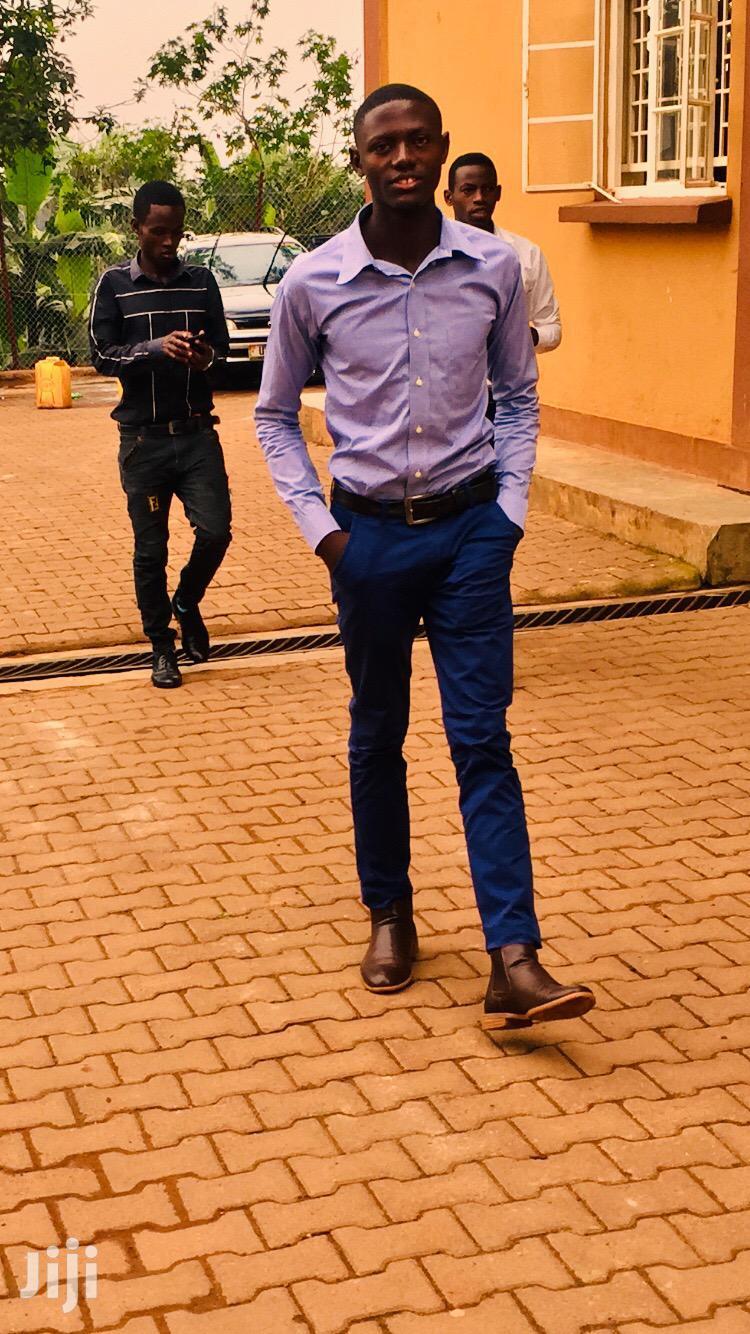 Waiter in a Restaurant | Restaurant & Bar CVs for sale in Kampala, Central Region, Uganda