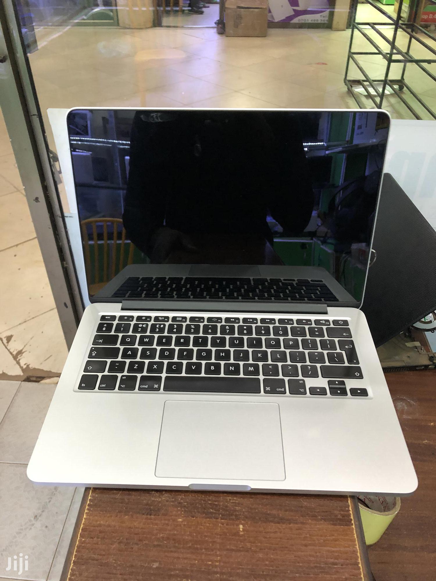 Laptop Apple MacBook Pro 8GB Intel Core i5 SSD 256GB