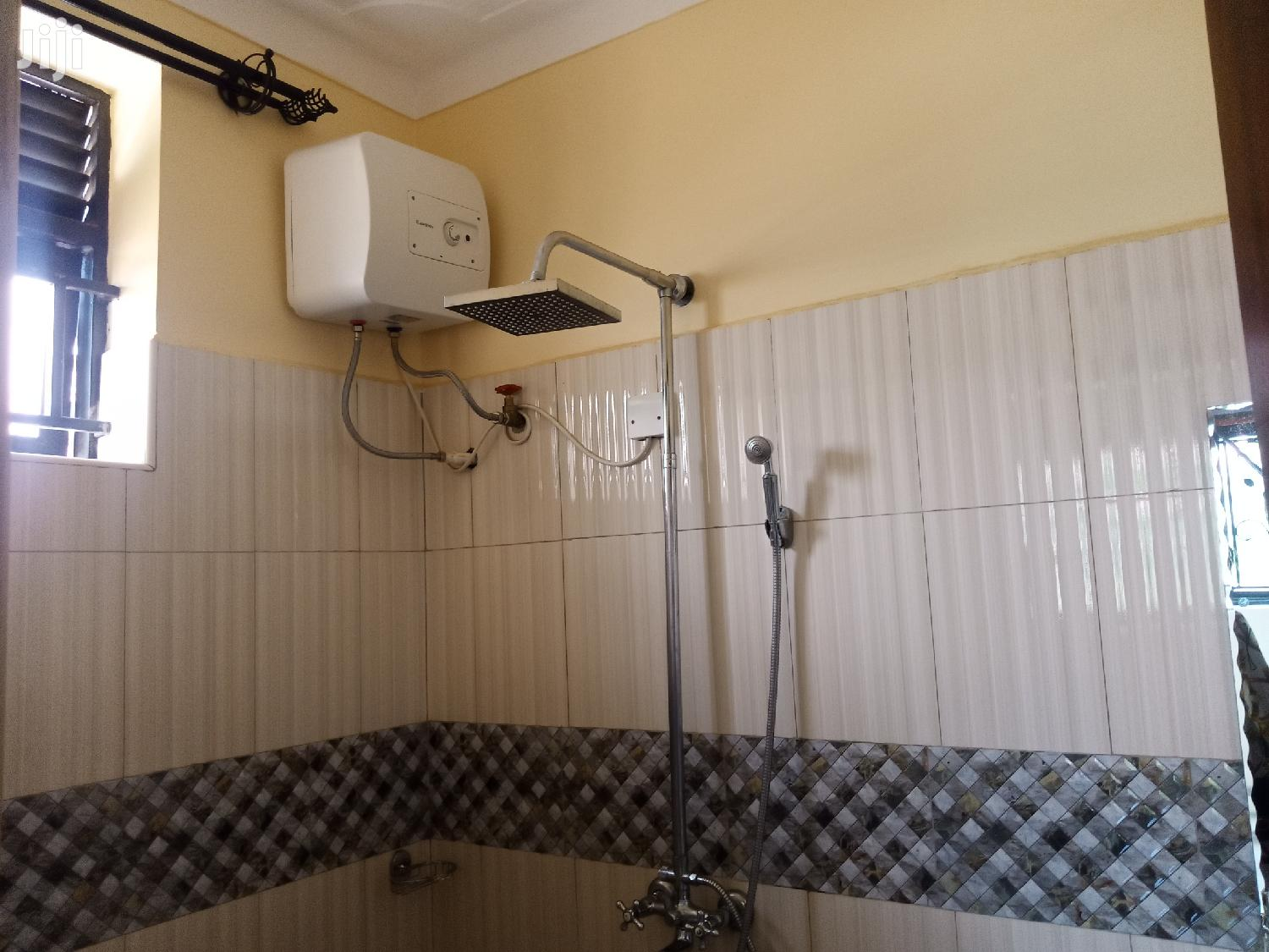 Archive: Two Bedroom House In Namugongo Road For Rent