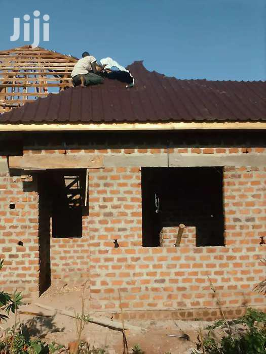 Carpenter For Roofing | Building & Trades Services for sale in Kampala, Central Region, Uganda