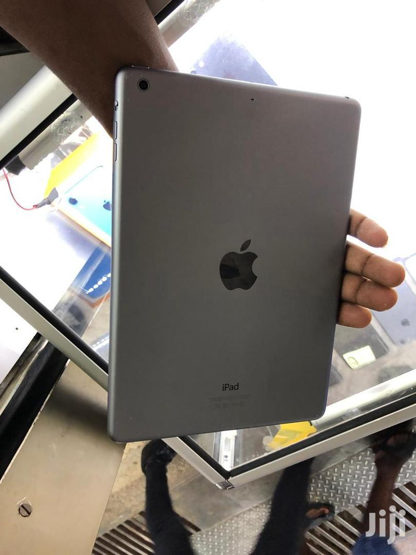 Apple iPad 10.2 32 GB Gray