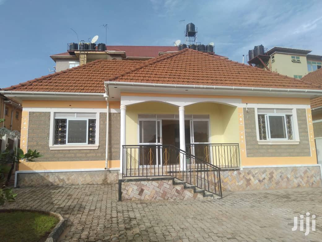 Three Bedroom House In Kitende Entebbe Road For Sale