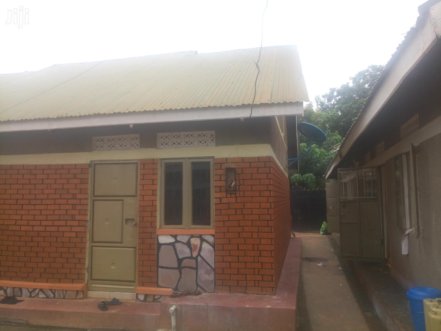 Archive: Three Bedroom House In Kitala For Sale