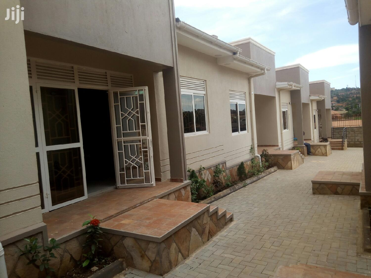 Brand New Double Rooms for Rent in Kisaasi.