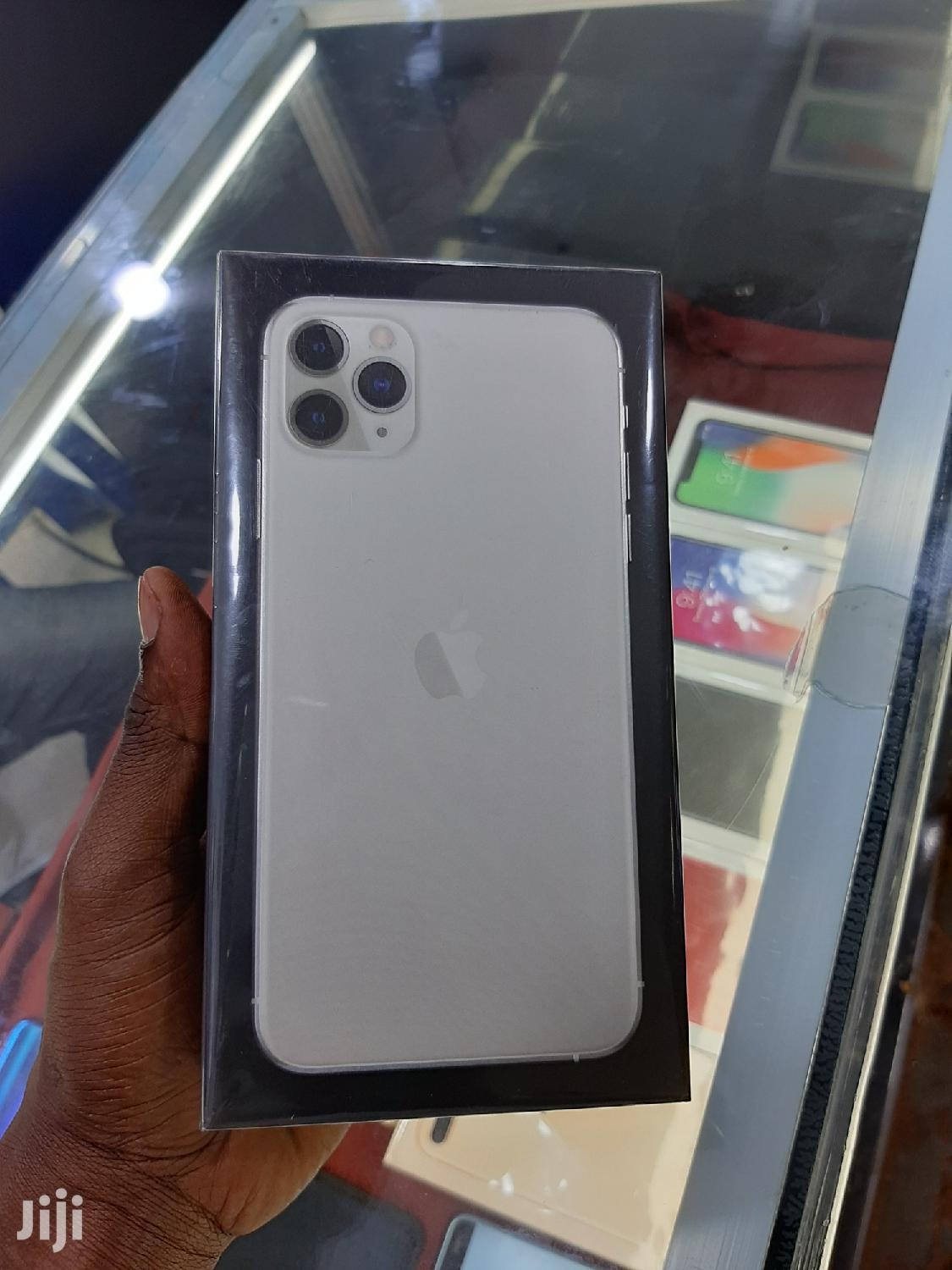 New Apple iPhone 11 Pro Max 256 GB Black