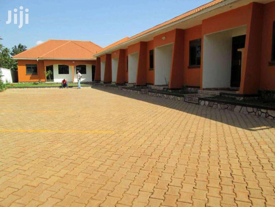 Archive: UNIQUE SELF CONTAINED DOUBLE ROOM  IN KIRINYA, BWEYOGERERE.