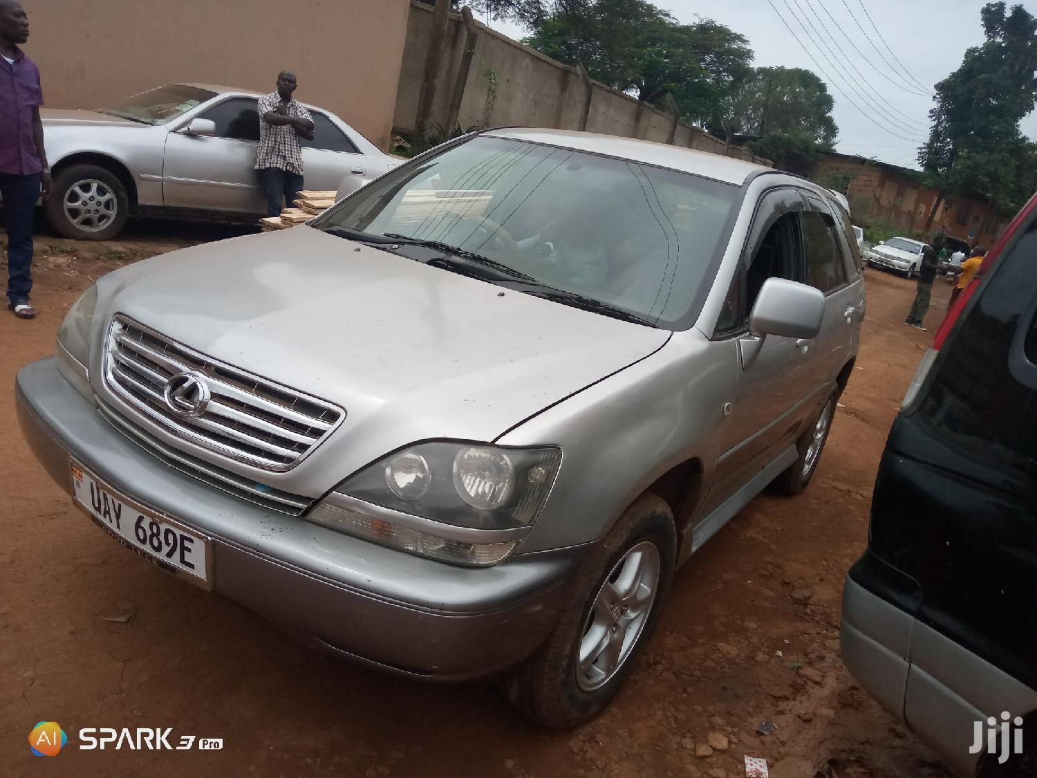 Archive: Toyota Harrier 2000 Silver