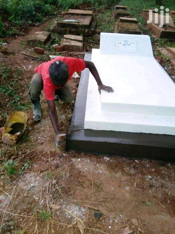 Grave Finishing Good Quality
