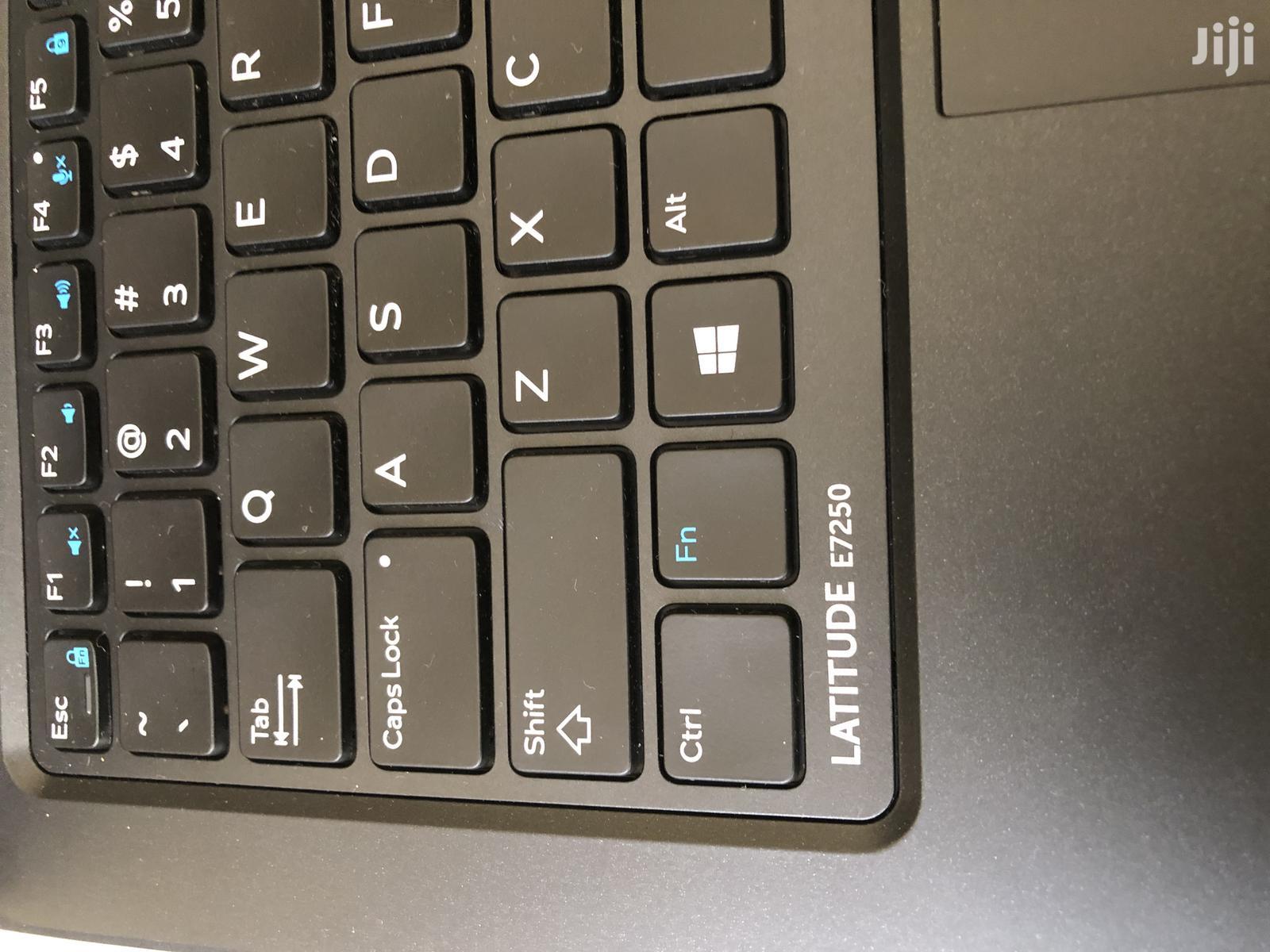 Archive: Laptop Dell Latitude 12 E7250 8GB Intel Core I7 SSD 512GB