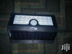 Solar Motion Sensor Security Light With Auto On And Off Function