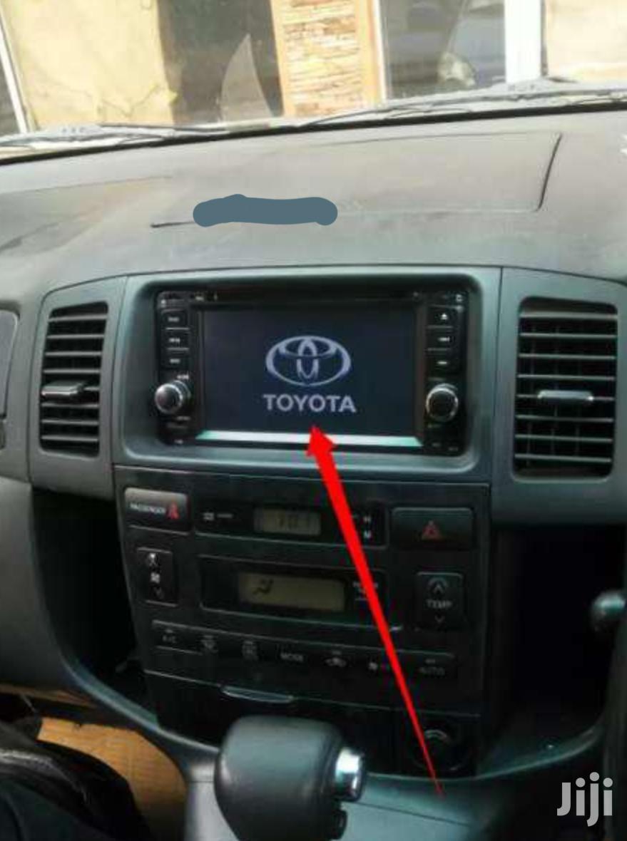 TOYOTA Car Radio In A Spacio