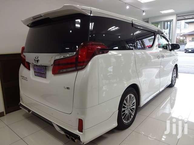 Archive: New Toyota Alphard 2017 White