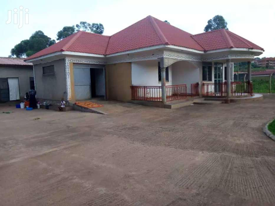Three Bedroom House In Kisaasi For Sale