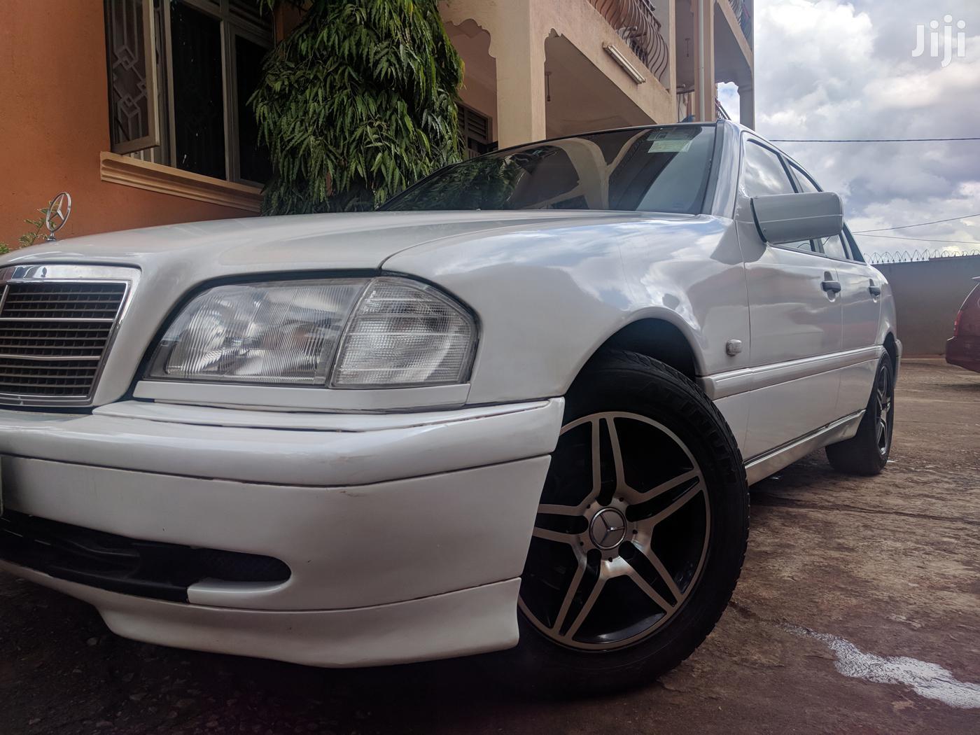 Mercedes-Benz C200 1998 White