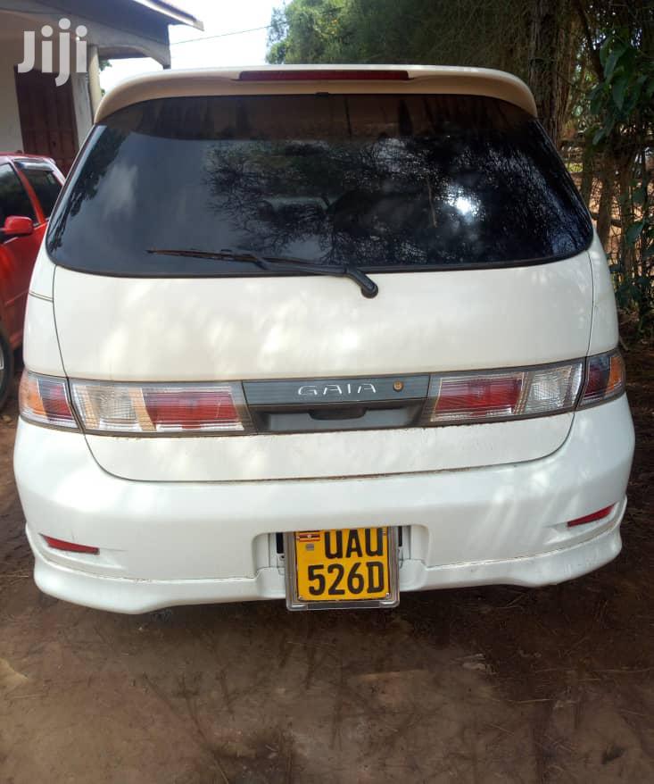 Archive: Toyota Gaia 2001 White