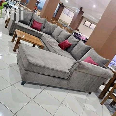 Archive: Sofa Set Available