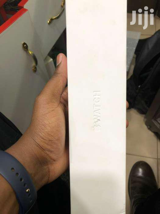 Apple Watch Rose Gold 44mm Series 4 Boxed Uk Used 1 Month