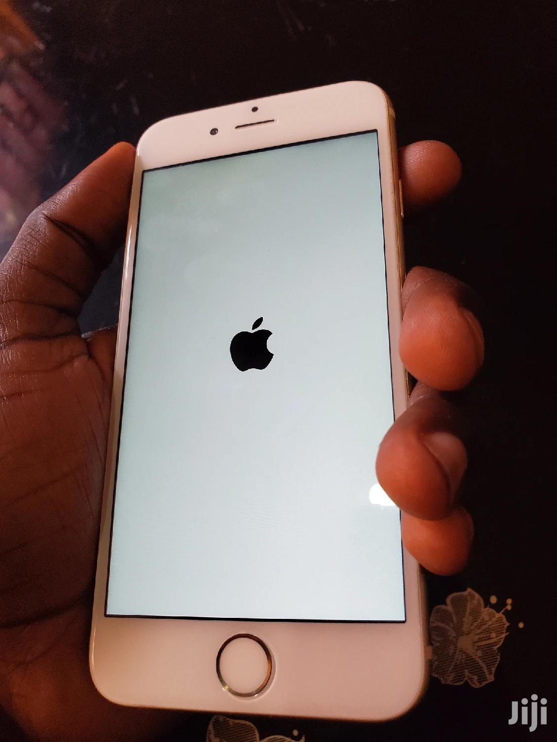 New Apple iPhone 6 64 GB Gold
