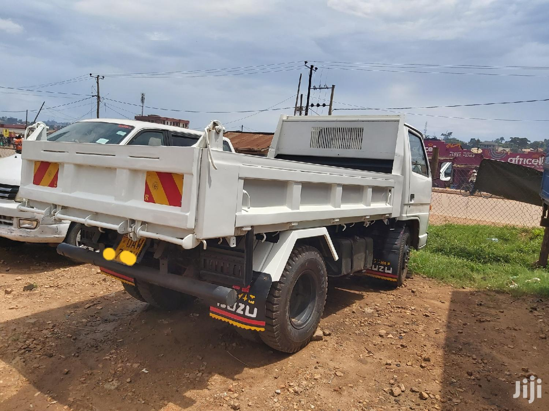 Isuzu Dump Truck 1990 White | Trucks & Trailers for sale in Kampala, Central Region, Uganda